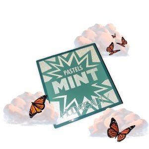 *NIB* Huda Beauty Pastels Mint Obsessions Palette